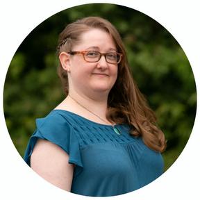 Best Headshot for Agency - White - Amanda