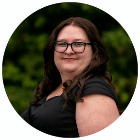 Best Headshot for Agency - White - Melanie